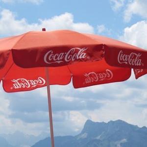 コカコーラ(KO)のQ2.2020決算発表:減収減益も底抜けを強調