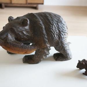 今日の断捨離 シャケをくわえた木彫りの熊の置物