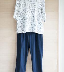 ギャローリアのボトムスと2016年ユニクロTシャツで50代ゆるコーデ