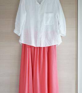 【甘辛コーデ】綺麗色スカートと白トップスコーデその2