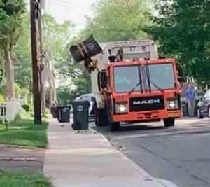 NYのゴミ回収はすごい!【自動回収トラック】