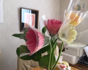 お花を飾るようにしました♡