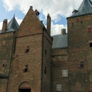 ちょっとした小旅行気分♪ 船に乗ってオランダ中世のお城「ルーヴェステイン城」へ
