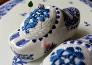 岡田美里さんのアトリエでハーダンガー刺繍のワンデークラス