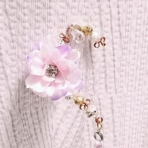お花のイヤカフ
