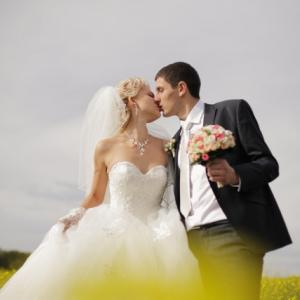 自分の年齢層・・・どれくらいの人が未婚なの?