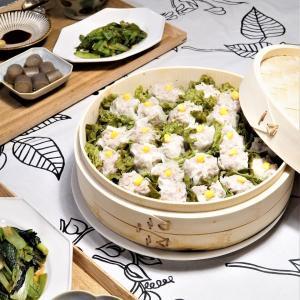 テーブル華やぐ時短調理にもなる♪春を感じる「お花畑シュウマイ」の晩ご飯~♪