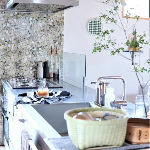 キッチンが片付かない理由・・・雑多な風景さえ好きになれた台所道具♪