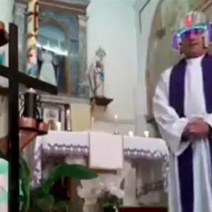 教会の牧師さん、ミサの生配信で間違えてフィルター付けてしまうww