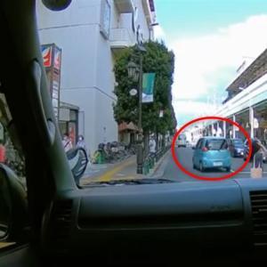 【東京都足立区】横断歩道を渡る歩行者を無視し強引に追い越していった軽自動車、無事白バイに捕まる