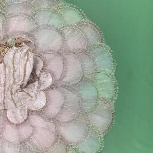 バレエの衣装とお花をスタイリング ローズアダージオの教室名に寄せて