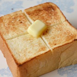 朝から優雅な気持ちになるトースト