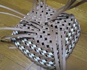 石畳の扇形バスケット、始末完了~!