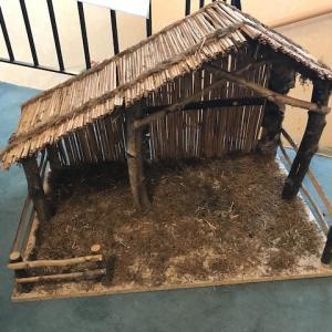 【今日の断捨離】屋根裏の物置からクリスマスグッズを取り出す
