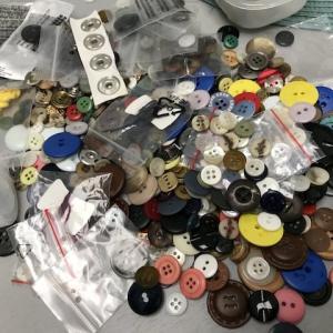 予備のボタン、保管していますか?〜なくした、壊れた時のための予備の保管も多すぎて困った!