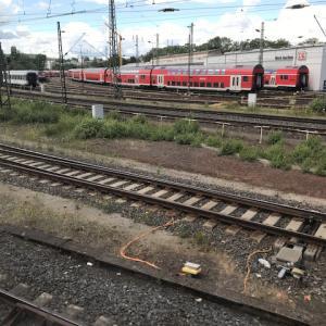 この夏休みは列車に乗って近くの街を散策しようという気になった!