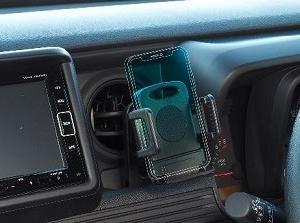 N-VAN専用のスマートフォン車載ホルダー