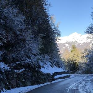 ピレネー山脈 アクス・レ・テルム Ax-les-Thermes 11月の雪景色へ!