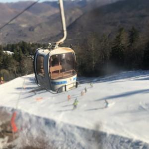 フランス 冬のバカンス真っ只中 〜雪のないピレネー山脈 スキー場へ 〜