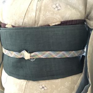手績み糸の上布の染め帯、麻の寿命は長いのです【着物コーディネート】