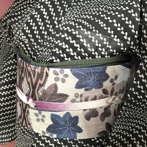 盛夏以外に着たい夏紬を、盛夏以外に締めたい夏帯とあわせてみた。【着物コーディネート】