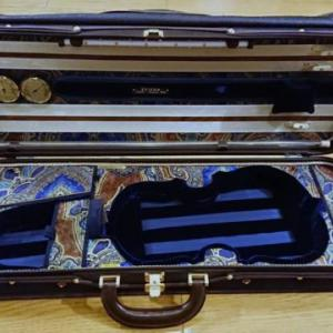 流転するヴァイオリンケース