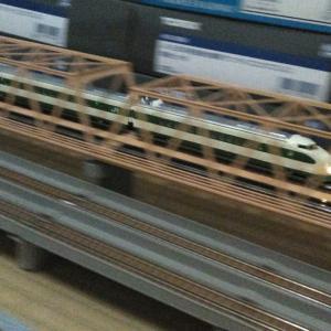 鉄道模型の流し撮り…
