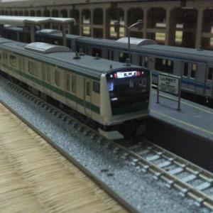 E233系7000番台とTWR70-000形…