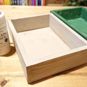 ダイソー「アンティークメディウム」と「クラッキングメディウム」を買ったよ。試し塗りレビューと比較。木箱に塗装して簡単リメイクも