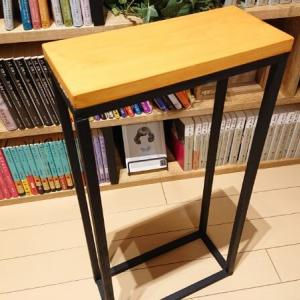 【100均DIY】セリアの木材で「ミニテーブル」を手作りするよ。天板はひのき、水性ニス(ライトオーク)で塗装【作り方】
