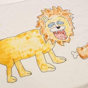【絶望的画力】オリジナル「Tシャツ」作りに挑むよ。ぺんてるのファブリックファン布描きえのぐを使う