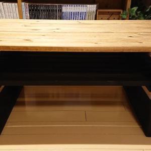 【DIY】テーブルに収納棚を取り付けるよ。手作り家具のセルフリメイクに挑戦