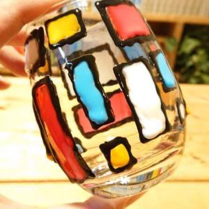 【100均DIY】ダイソー「ガラス絵の具」で遊ぶよ。ステンドグラス風のコップをデザインする