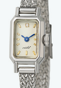 腕元を上品にランクアップ。ブレスレット感覚で身に着けたい腕時計3選