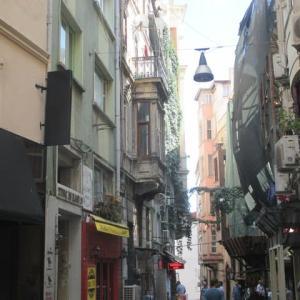 2019年チュニジア・トルコ・イタリア旅行記(17)~イスタンブール3日目後半・ベイオウル散策と昔のアパート再訪編~