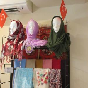 トルコの飛び地・東京ジャーミイのハラールマーケット