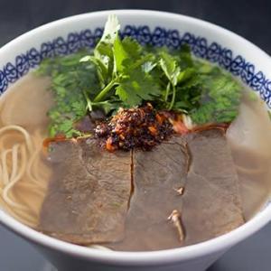 中国の蘭州牛肉麺の老舗「馬子禄 」の神保町店で水餃子を食べる