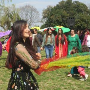 クルドの新年のお祭りネウロズ2019に間に合った話と蕨のハッピーケバブ