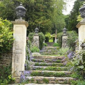 イフォード・マナー・ガーデンズ(Iford Manor: The Peto Garden)@観光情報