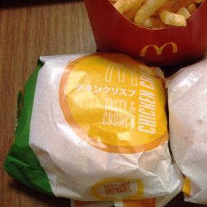 ハンバーガーはハンバーグ派?チキン派?