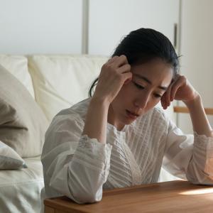借金がある憂鬱な生活から抜け出して明るい人生を取り戻す方法