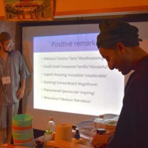 すしx英語 〜おすしを握って多言語交流〜 SUSHI x English socializing workshop!