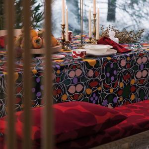 マリメッコから冬の気配を感じさせる優雅なデザインの新作が登場