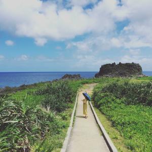 近くの岬とビーチ散策