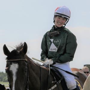藤田菜七子騎手にJRAの将来がかかっています。