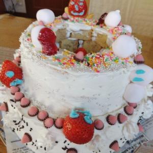 三男👨の誕生日~二段重ねの独創的なケーキでお祝い🍰🎉~