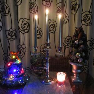 お部屋をクリスマスに飾りつけ・・・