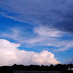 昨日の空は