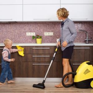 【つぶやき英語トレーニング】主婦が使える表現が多い「Scene38 部屋の掃除」のつぶやき英文(日本語訳付き)