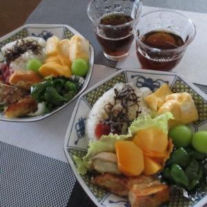 ワンコも夫も同じ家族ですから  ★  お昼の詰め合わせ弁当風  ★  エリンギと茄子の豚肉巻き